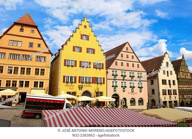 Timbered houses, Market Square, Rothenburg ob der Tauber, Romantic Road, Romantische Strasse, Franconia, Bavaria, Germany, Europe