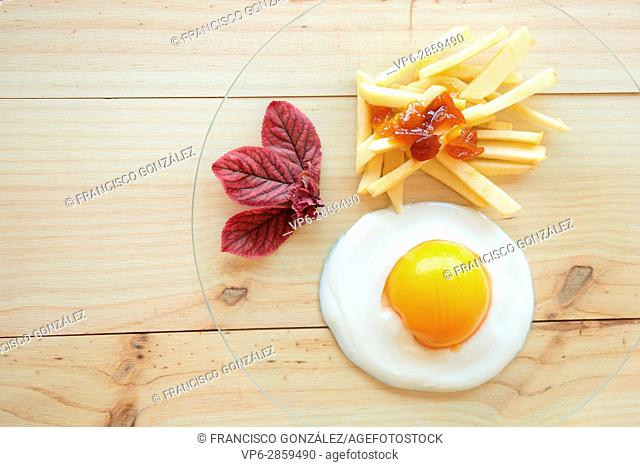 Imitation egg chips made with fruit and cream