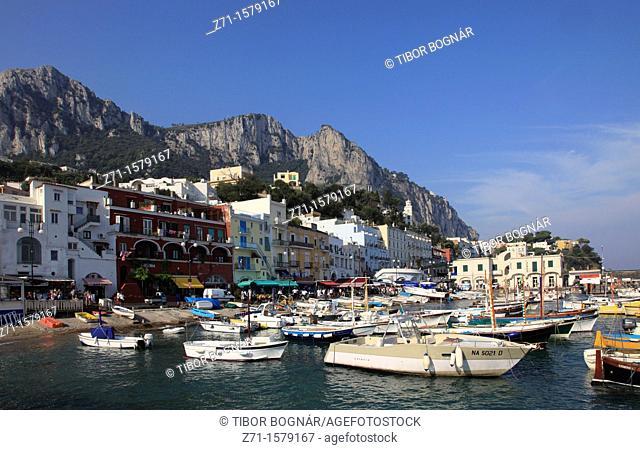 Italy, Campania, Capri, Marina Grande, boats