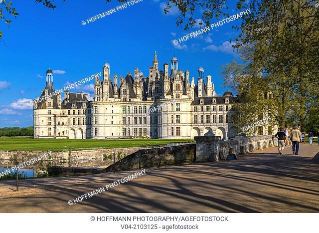 The beautiful Château de Chambord (Chambord Castle) in the Loire Valley, Loir-et-Cher, France, Europe