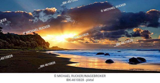 Sunset on the beach of Oakura, Whanganui National Park, North Island, New Zealand