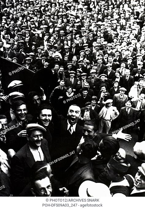 Strikers demonstrating in a steel factory before being evacuated by the army. 1936 Many workers are going on strike since the rise to power of the Popular Front...