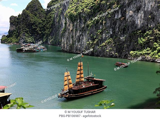 Halong Bay is located in Quáng Ninh province, Vietnam The bay features thousands of limestone karsts and isles in various sizes and shapes The bay has a 120...