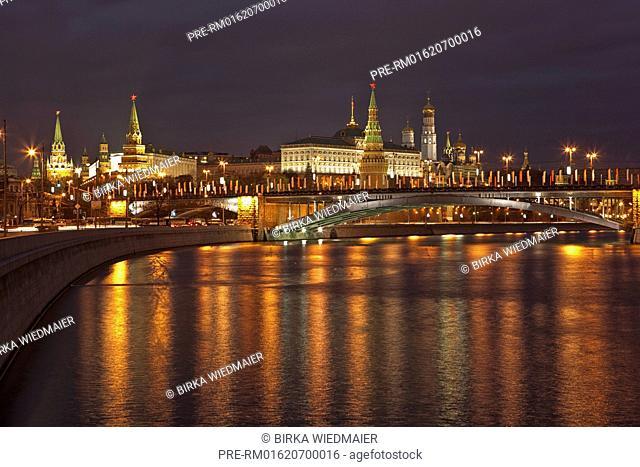 View over Moskva River to Kremlin, Moscow, Russia / Blick über die Moskwa zum Kreml, Moskau, Russland