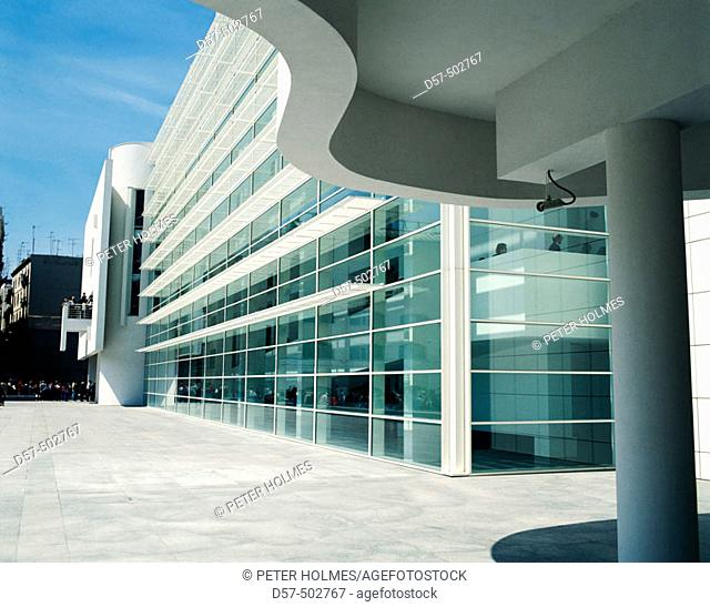 MACBA, Museum of Contemporary Art (1987-95, by Richard Meier). Barcelona. Spain