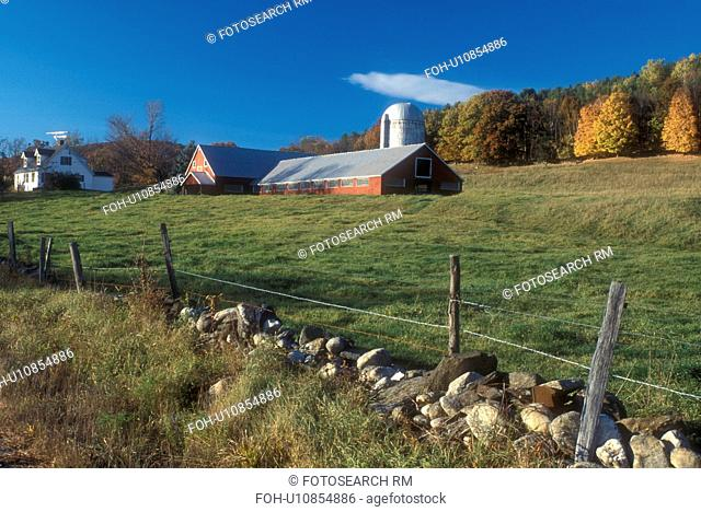 red barn, Cambridgesport, VT, Vermont, Red barn on a farm in autumn in Cambridgesport
