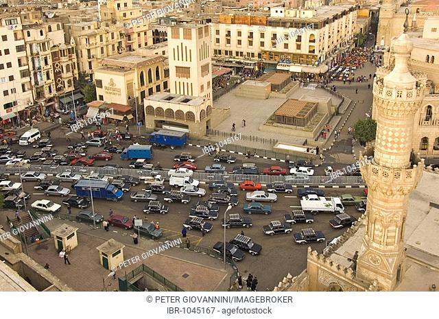 View of the traffic in front of the Al Azhar Mosque, Cairo, Egypt, Africa