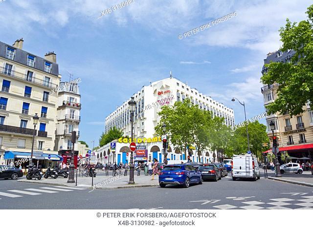 Boulevard de Clichy, at Passage de Clichy, Paris, France