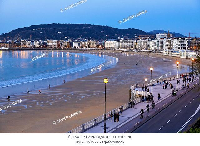 La Concha beach and bay, Donostia, San Sebastian, Gipuzkoa, Basque Country, Spain, Europe