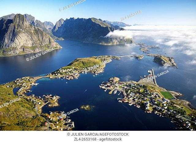 Norway, Nordland, Lofoten islands, Moskenesoy island, view of the fishing villages of Reine, Sakrisoy, Toppoy and Hamnoy from Reinebringen (448m)