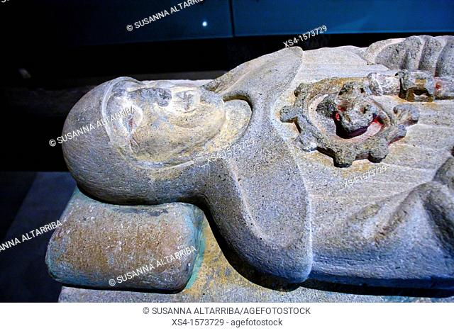 Sepulcher of the Abbot Torigues Berenguer, XV century, from gothic arcosolio of the cloister of the monastery of Santa Maria de Serrateix  Sculpted stone...