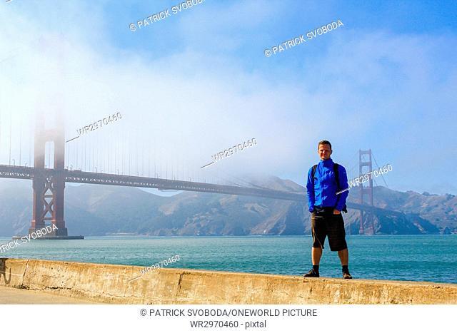 USA, California, San Francisco, By bike over the famous Golden Gate Bridge