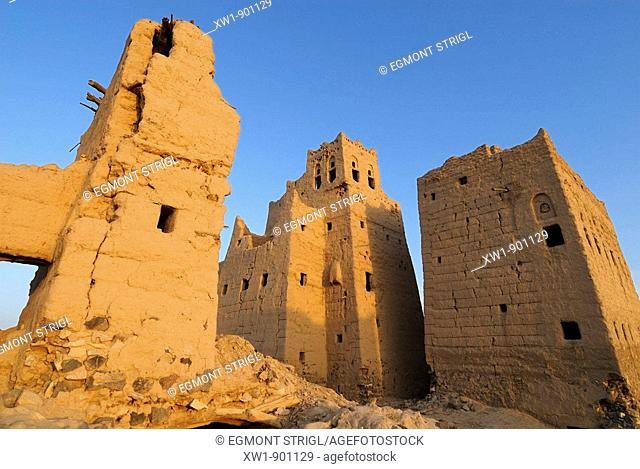 deserted historic adobe oldtown of Marib on the Incense Route, Yemen, Arabia, West Asia