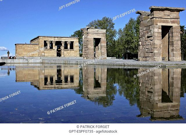 POND IN FRONT OF THE EGYPTIAN TEMPLE TO DEBOD GIVEN TO THE CITY BY EGYPT, PARQUE DE LA MONTANA, MADRID, SPAIN