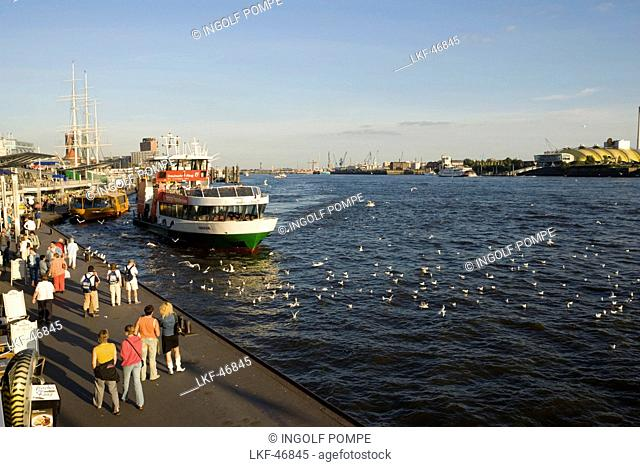 Hamburg, People at Landungsbruecken waiting for a ferry, Sankt Pauli, Hamburg, Germany