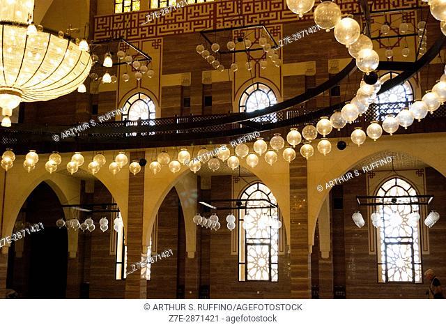 Interior of Al Fateh Grand Mosque, Manama, Bahrain, United Arab Emirates