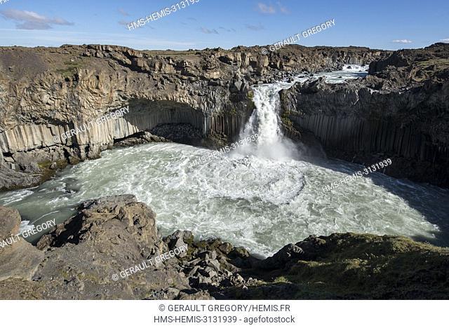 Iceland, North East Iceland, Aldeyjarfoss waterfall and its basalt columns