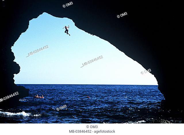 Toni Lamprecht, pro-climbers, personality-rights, Spain, heed Majorca sea man Balearen, Mediterranean, jump, series, island rock-bow coast, rock-coast