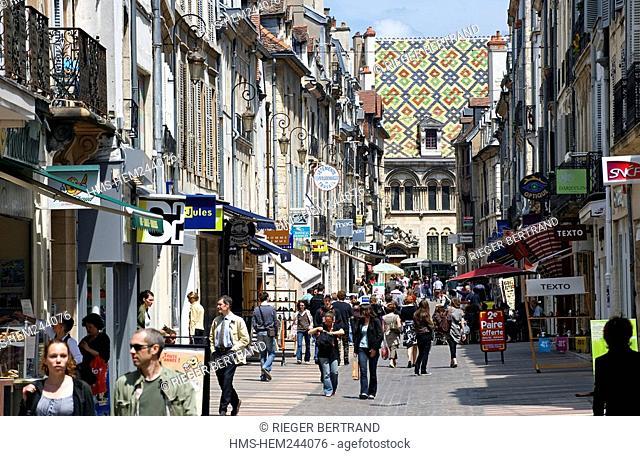 France, Cote d'Or, Dijon, rue du Bourg Bourg Street, shopping