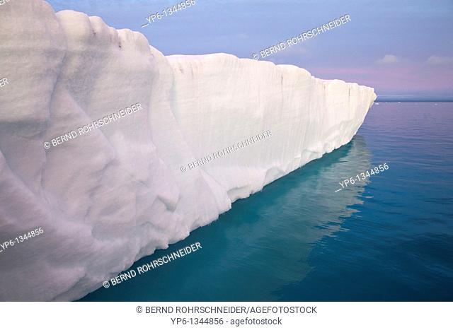 glacier Brasvellbreen, Nordaustlandet, Svalbard