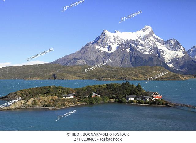 Chile, Magallanes, Torres del Paine, national park, Lago Pehoe, Hosteria Pehoe, Paine Grande,