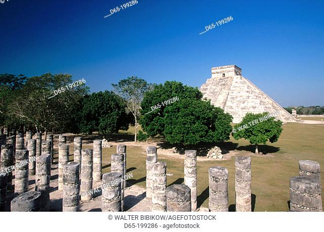 The Castle (Pyramid of Kukulcan) and the Thousand Columns. Chichén Itzá. Mexico