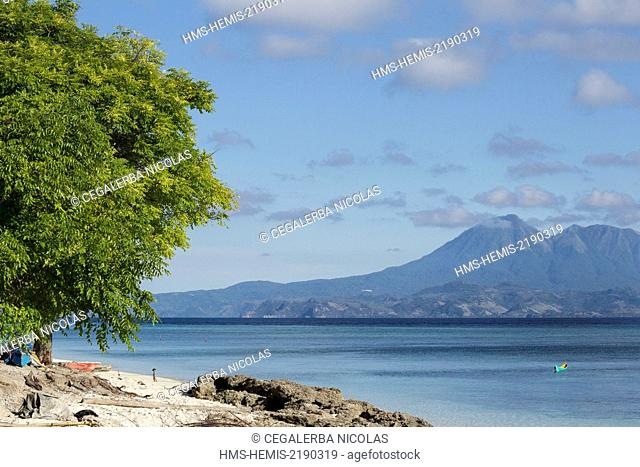 Indonesia, Lesser Sunda Islands, Alor archipelago, Kangge Island, beach with Lembata Island in background