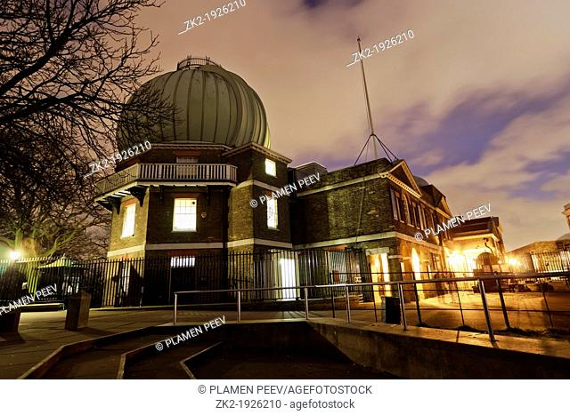Greenwich Royal Observatory at night