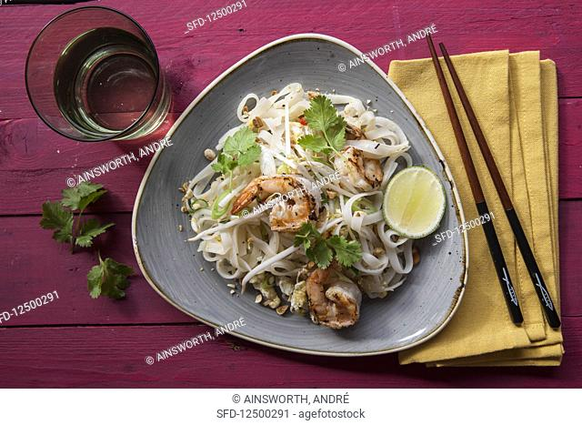Pad thai with prawns (Thailand)