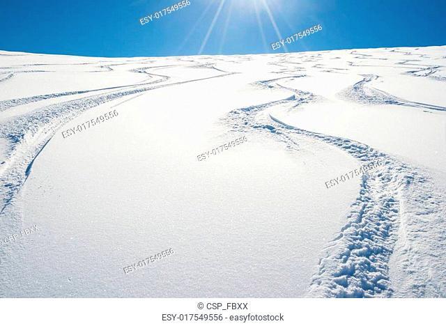 Freeriding on fresh snowy slope
