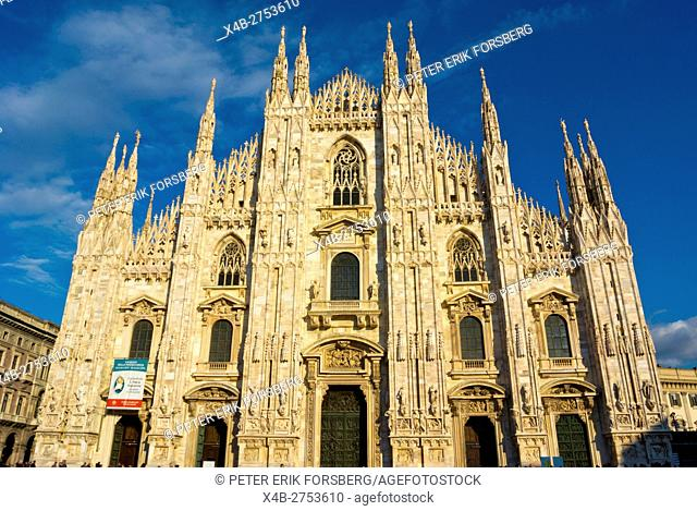 Duomo, cathedral, Piazza del Duomo, Milan, Lombardy, Italy