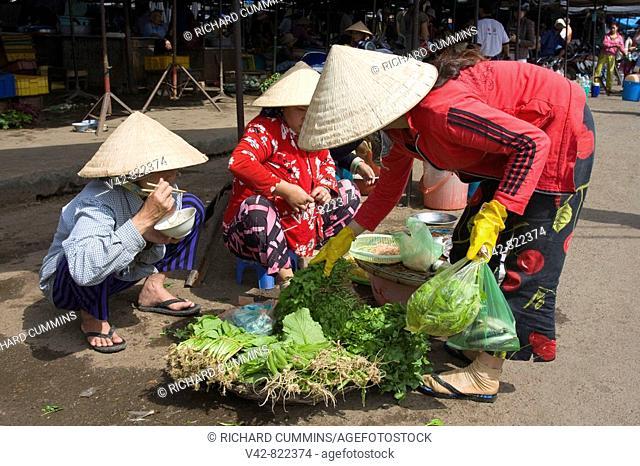 Vendor in Dam Market, Nha Trang City, Vietnam, Asia