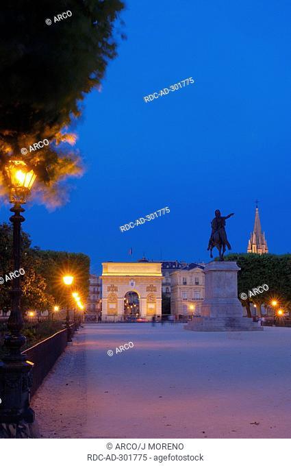 Triumphal Arch, statue of Louis XIV, Promenade du Peyrou, Montpellier, Herault, Languedoc-Roussillon, France
