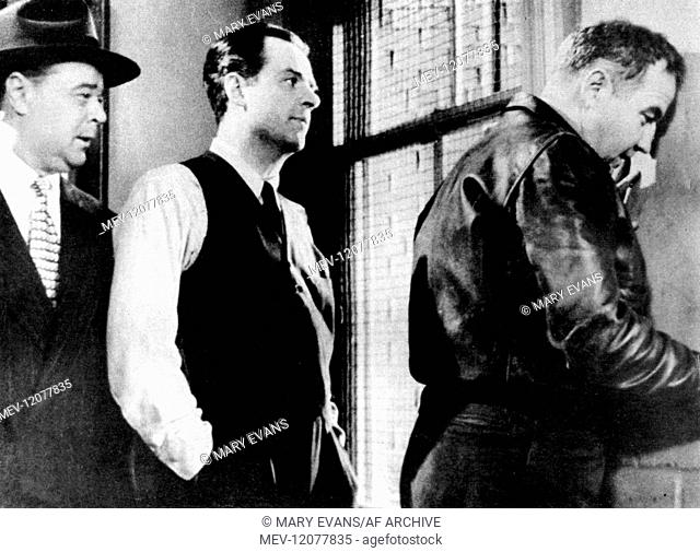 'Richard Kiley & Broderick Crawford Characters: Thomas 'Tom' Clancy & Johnny Damico Film: Remember That Face; The Mob (1954) Director: Robert Parrish 07...