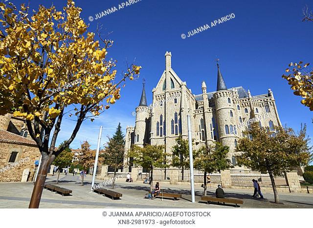 Palacio Episcopal from the Eduardo de Castro Square, by Gaudi, Astorga, León province. Castilla y León, Spain, Europe