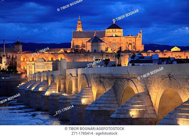 Spain, Andalusia, Cordoba, Cathedral, Puente Romano