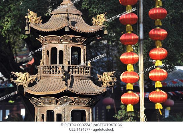 Guangzhou (China): the Guangxiao Temple