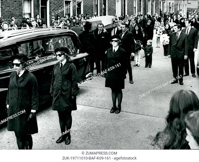 Oct. 10, 1971 - Funeral Of Shot Sisters In Belfast: In Belfast yesterday, teenage girls of the women's I R A, wearing black barets and dark glasses