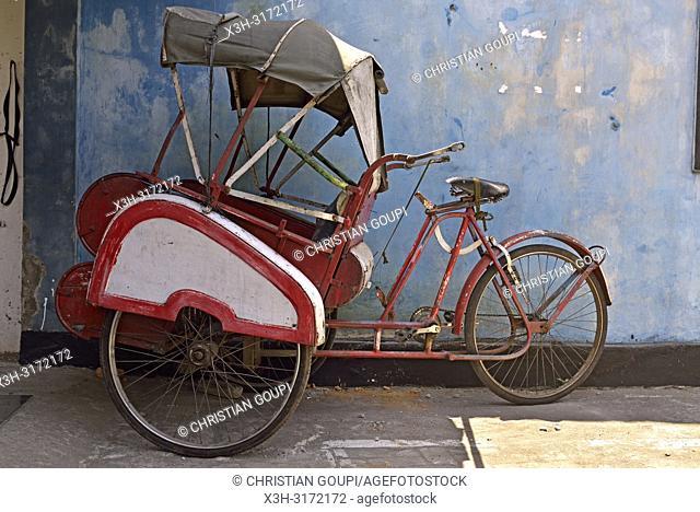 cycle rickshaw (becak), Sondakan district, Solo (Surakarta), Java island, Indonesia, Southeast Asia