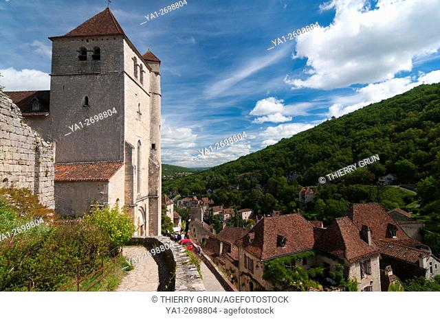 France, Quercy, Lot (46), Saint-Cirq-Lapopie village and church