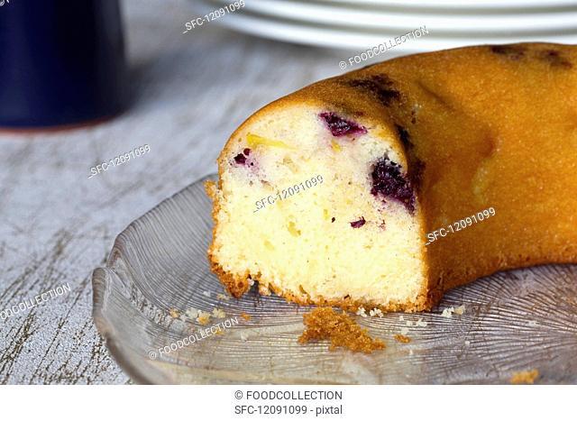 Blackberry & apple cake, sliced