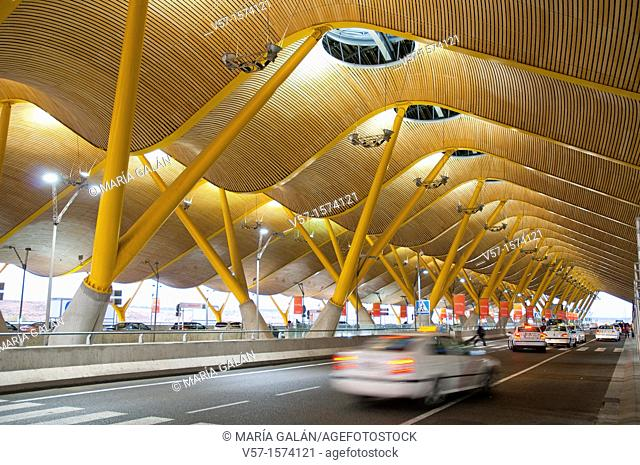 Taxi stand at T-4 Passengers Terminal. Barajas Airport, Madrid, Spain