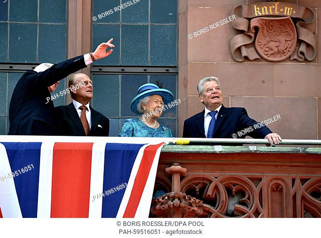 Volker Bouffier (L), Premier of the German state Hesse, Britain's Queen Elizabeth II, Prince Philip (2-L) and German President JoachimGauck talk as they stand...
