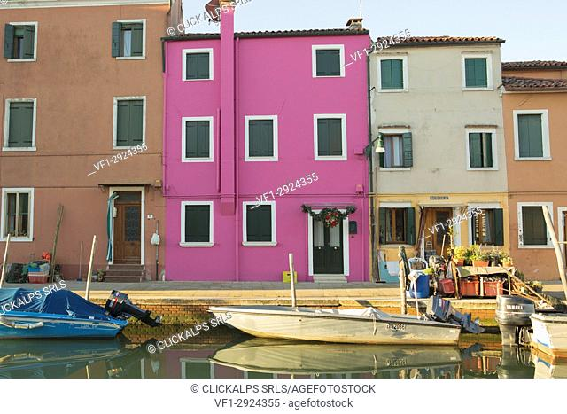 Europe, Italy, Veneto, Venice. The colorful houses of Burano island