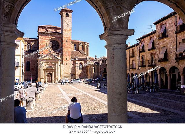 Santa María la Mayor Cathedral viewed from Town Hall  arcade, Sigüenza, Guadalajara province, Castile La Mancha, Spain. Historical Heritage Site