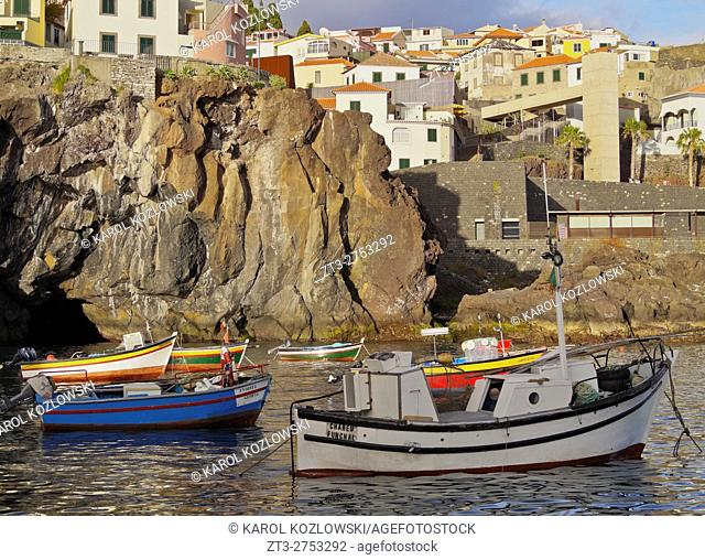 Portugal, Madeira, View of the fishermen port in the Camara de Lobos