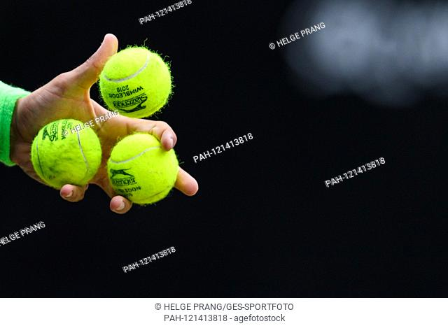 Feature, Baelle, in the hand of Victor Matteo Berrettini (ITA). GES / Tennis / ATP Tour 250: MercedesCup 2019, 16.06.2019 Tennis ATP Tour 250: MercedesCup 2019