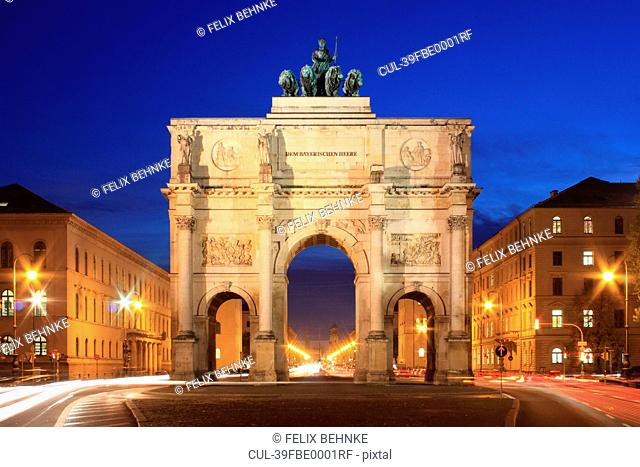 Time lapse view of Siegestor Munich