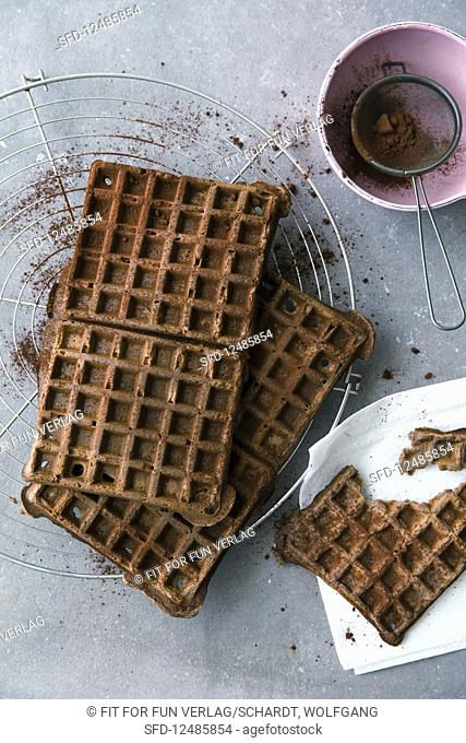Chocolate waffles with almonds