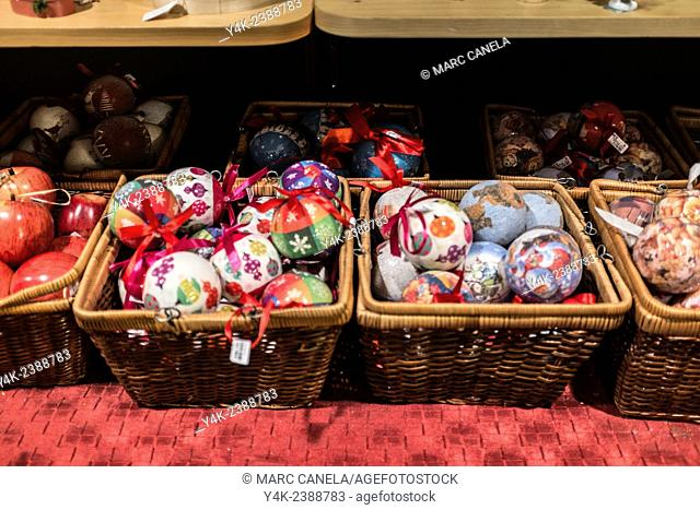 Europe, Germany, Berlin, Christmas decorations, balls, Christmas tree